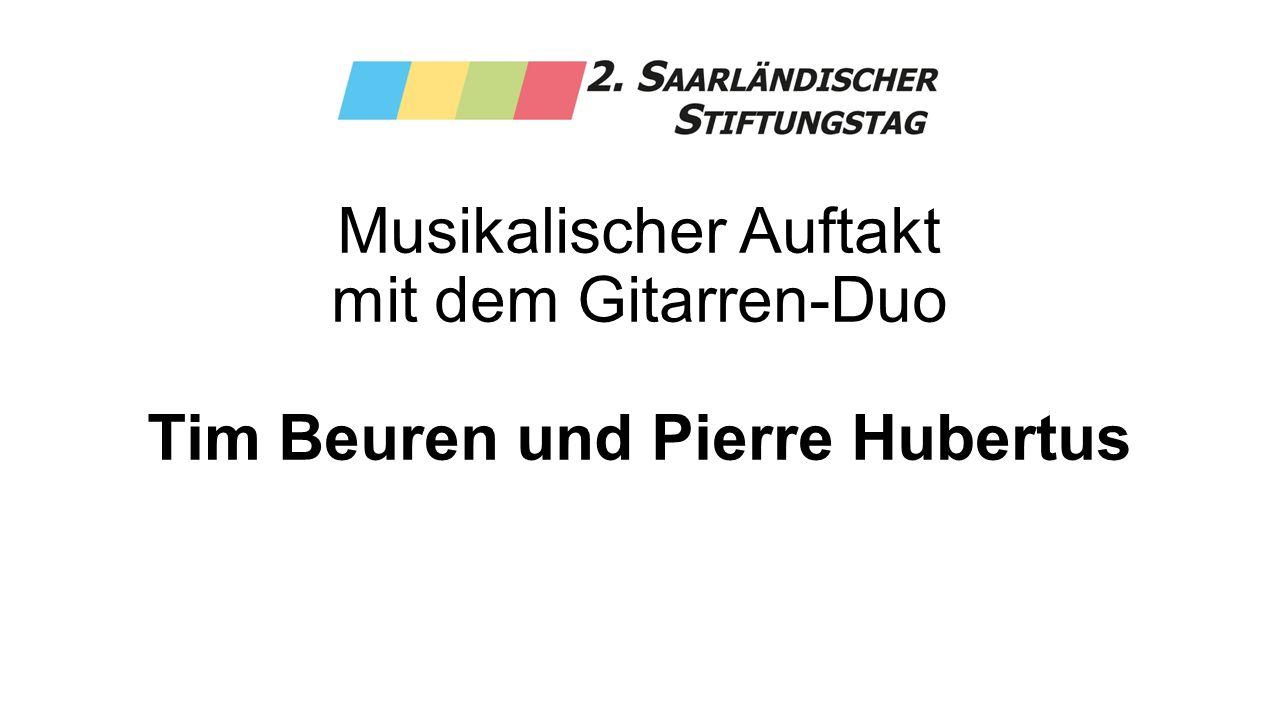 Musikalischer Auftakt mit dem Gitarren-Duo Tim Beuren und Pierre Hubertus