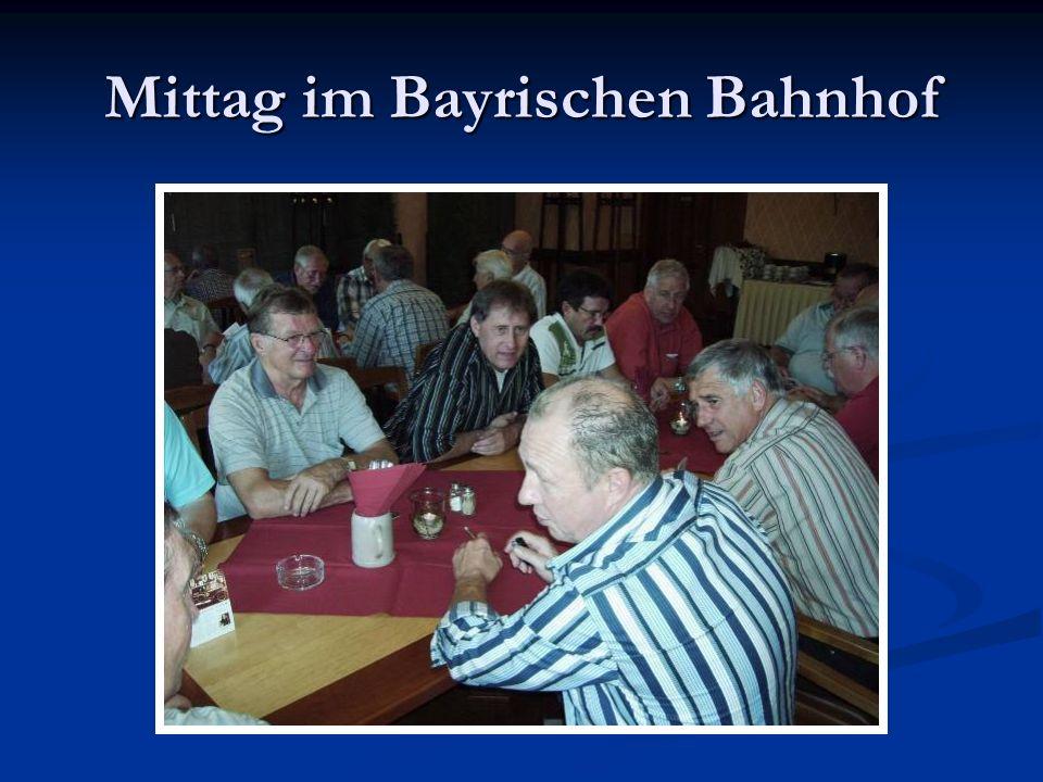 Mittag im Bayrischen Bahnhof