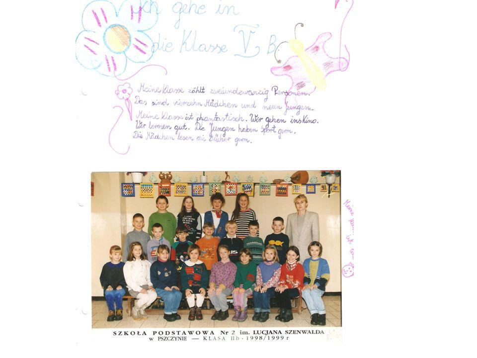 Die Post wird in der Deutschstunde verteilt und bei der Lektüre der Briefe lernen die Schüler ihre Altersgenossen aus Deutschland kennen.