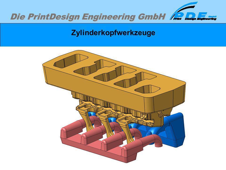 Die PrintDesign Engineering GmbH Zylinderkopfwerkzeuge Sandkerne in Verwendungslage, die in das Werkzeug eingelegt werden müßen.