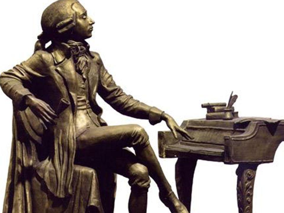 Mozart schuf uber 600 Werke, u. a. 23 Buhnenwerke. 40 Sinfonien, 25 Klavier, 8 Violinkonzerte, Sonaten, Kammermusik sller Art, Requiem, 15 Messen u.a.