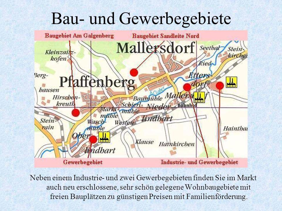 Eine Ehrenfahne des Europarates für Mallersdorf-Pfaffenberg Mit einer großen Feierlichkeit wurde am Samstag den 03.11.2007 dem Markt die Ehrenfahne de