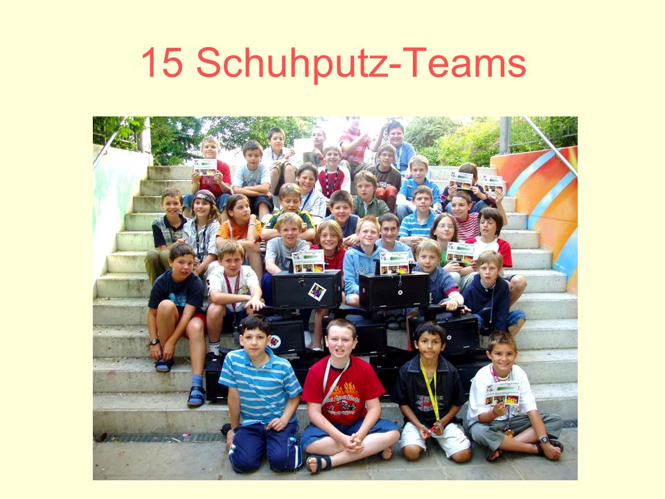 15 Schuhputz-Teams