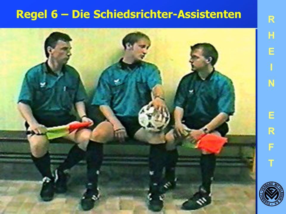 RHEINERFTRHEINERFT Zuschauer mit Trillerpfeife: Wenn ein Zuschauer in eine Trillerpfeife bläst und der Schiedsrichter überzeugt ist, dass ein Spieler