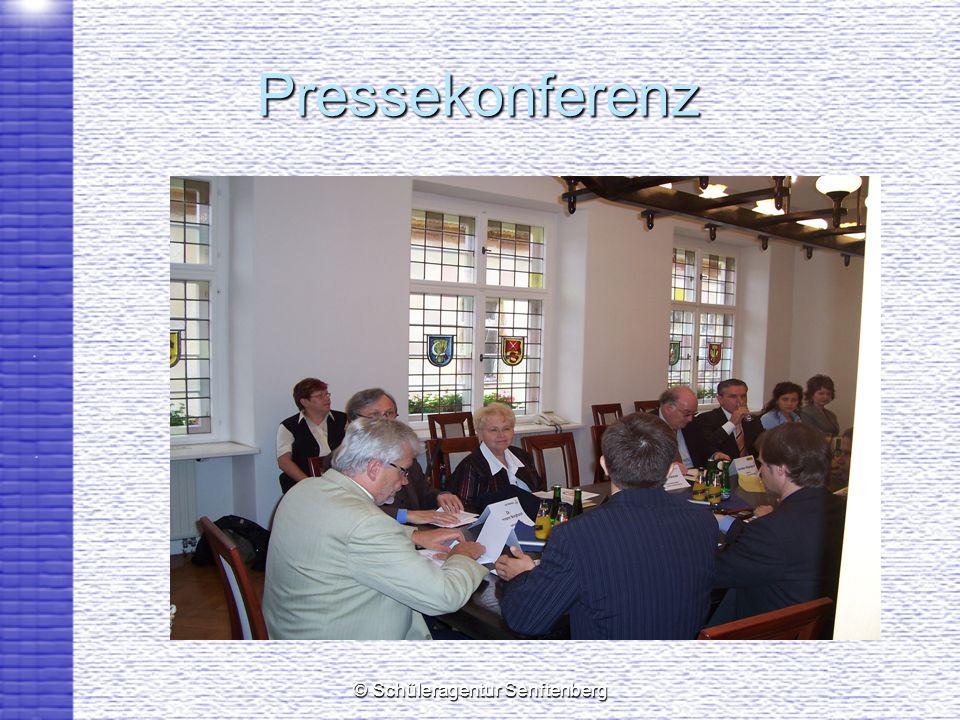 © Schüleragentur Senftenberg Pressekonferenz