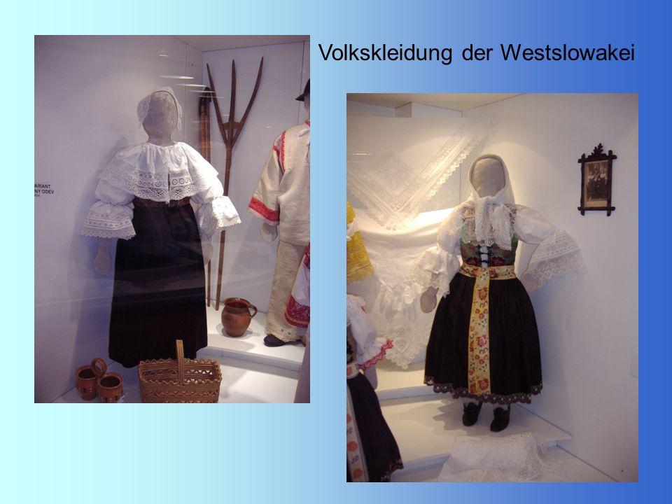 Volkskleidung der Westslowakei
