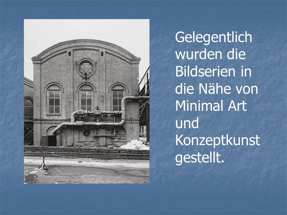 Gelegentlich wurden die Bildserien in die Nähe von Minimal Art und Konzeptkunst gestellt.