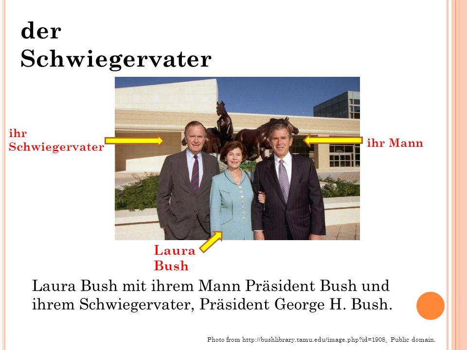 der Schwiegervater Laura Bush mit ihrem Mann Präsident Bush und ihrem Schwiegervater, Präsident George H.