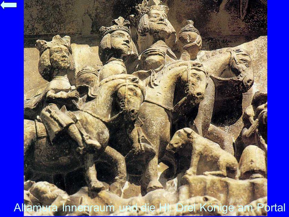 Altamura Innenraum und die Hl. Drei Könige am Portal