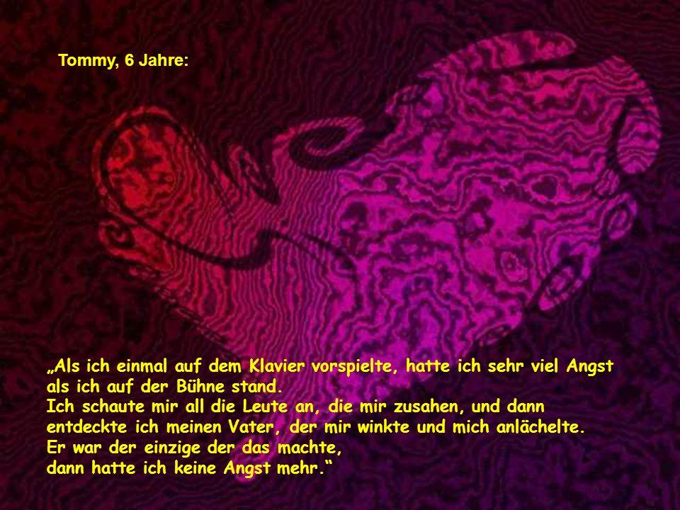 verteilt durch www.funmail2u.dewww.funmail2u.de Noelle, 7 Jahre: Liebe ist ein kleiner alter Mann und eine kleine alte Frau, die immer noch Freunde si