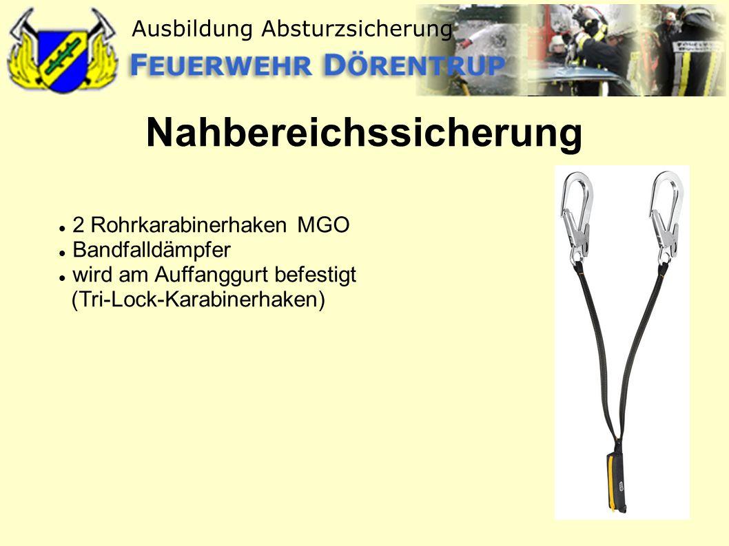 Ausbildung Absturzsicherung Nahbereichssicherung 2 Rohrkarabinerhaken MGO Bandfalldämpfer wird am Auffanggurt befestigt (Tri-Lock-Karabinerhaken)