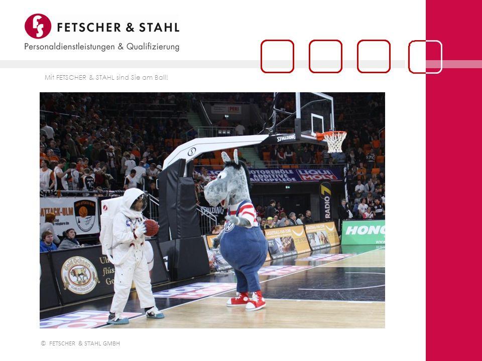 © FETSCHER & STAHL GMBH Basketballstar Dane Watts (rechts) von ratiopharm ulm war mit 21 Punkten Spieler des Tages und im Anschluss an den überragenden Sieg gegen Alba Berlin (91 : 72 für Ulm) am Stand von FETSCHER & STAHL - ganz nach dem Unternehmensmotto von Mensch zu Mensch.