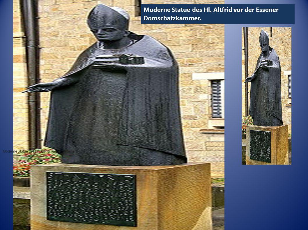●м●м Moderne Statue des Hl. Altfrid vor der Essener Domschatzkammer Moderne Statue des Hl. Altfrid vor der Essener Domschatzkammer.