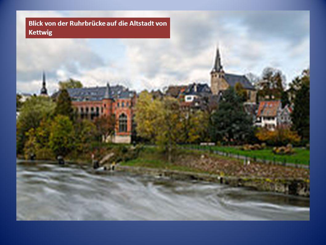 Blick von der Ruhrbrücke auf die Altstadt von Kettwig