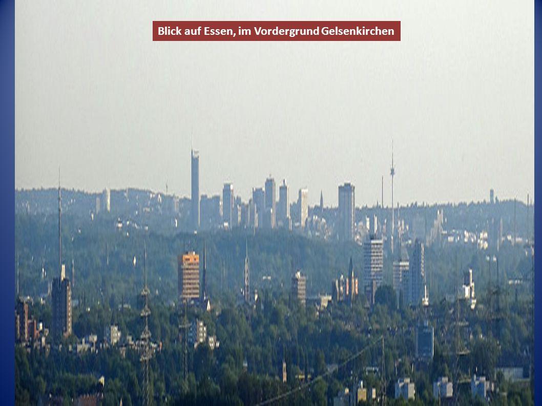 Blick auf Essen, im Vordergrund Gelsenkirchen