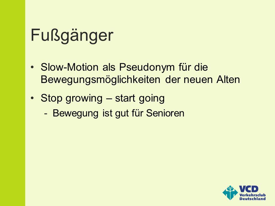 Fußgänger Slow-Motion als Pseudonym für die Bewegungsmöglichkeiten der neuen Alten Stop growing – start going -Bewegung ist gut für Senioren