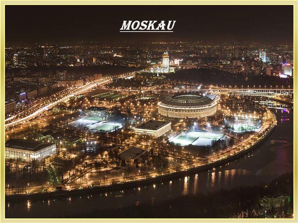 Moskau, La-la-la-la-la-la-la...Ho Ho Ho Ho Ho, Hey Moskau, Moskau La-la-la-la-la-la-la...