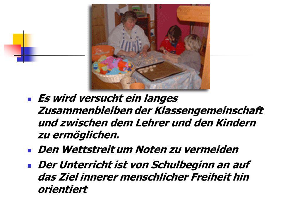 Altersmischung der Spiel- und Lerngruppen Ein wichtiges Prinzip der Montessori-Didaktik Kinder sollen vermehrt voneinander und miteinander lernen Das Sozialverhalten wird gefördert In der Regel werden 3 Altersjahrgänge entsprechend den Stufen der Entwicklung in einer Gruppe zusammengefasst