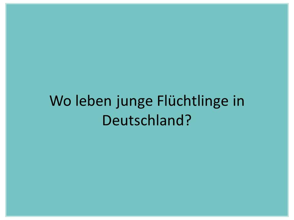 Frisch in Deutschland angekommen, wohnen junge Flüchtlinge in Notunterkünften.