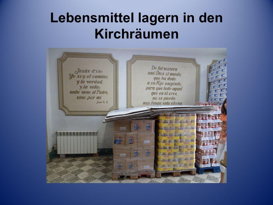 Lebensmittel lagern in den Kirchräumen