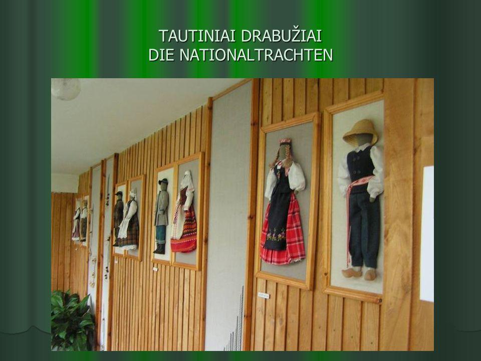 TAUTINIAI DRABUŽIAI DIE NATIONALTRACHTEN