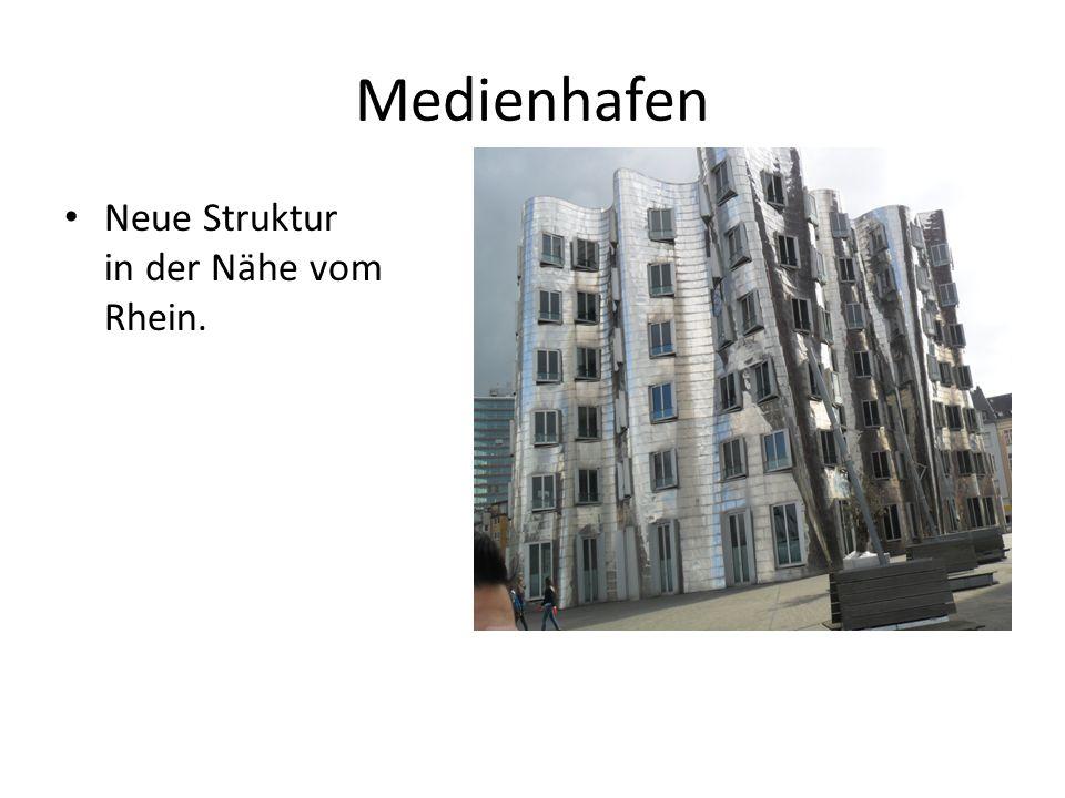 Medienhafen Neue Struktur in der Nähe vom Rhein.