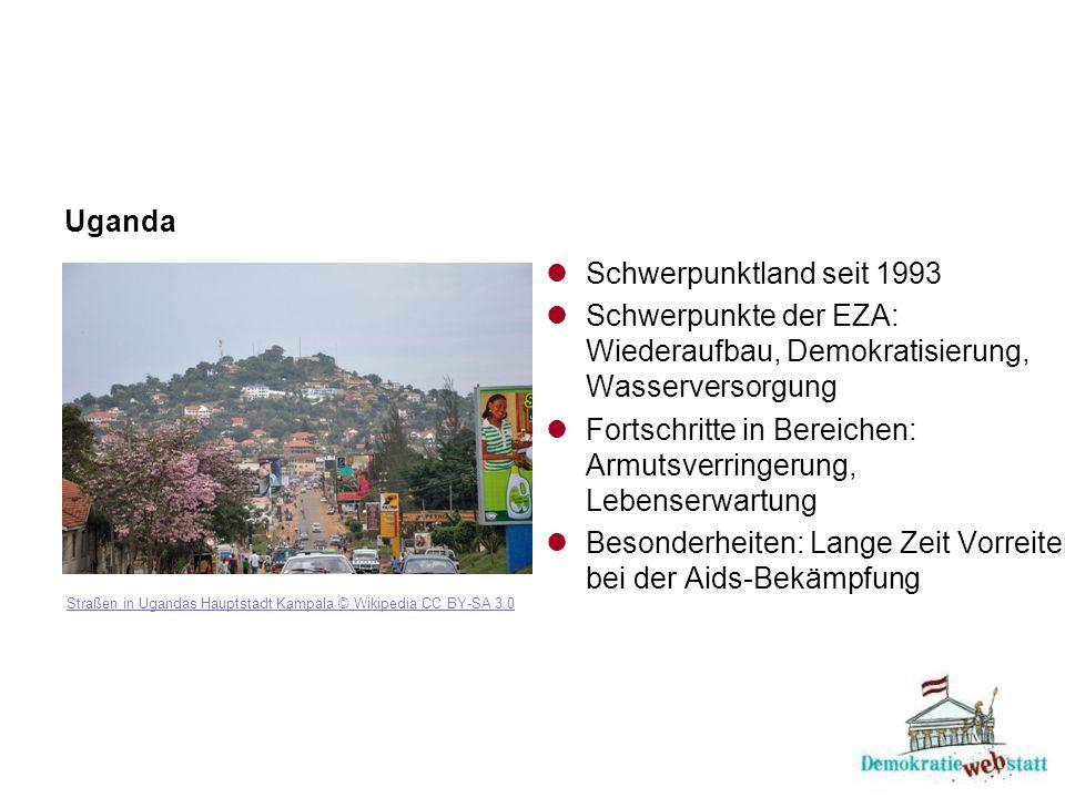 Uganda Straßen in Ugandas Hauptstadt Kampala © Wikipedia CC BY-SA 3.0 Schwerpunktland seit 1993 Schwerpunkte der EZA: Wiederaufbau, Demokratisierung, Wasserversorgung Fortschritte in Bereichen: Armutsverringerung, Lebenserwartung Besonderheiten: Lange Zeit Vorreiter bei der Aids-Bekämpfung