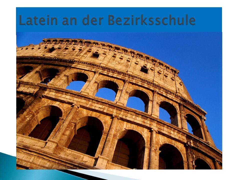 1. Klasse Bezirksschule Deutsch4 Mathematik5 Französisch3 3 Englisch3 2 Geographie2 2 Geschichte2 Hauswirtschaft4 Biologie2 (Latein3)* Sport3 Bildn. G