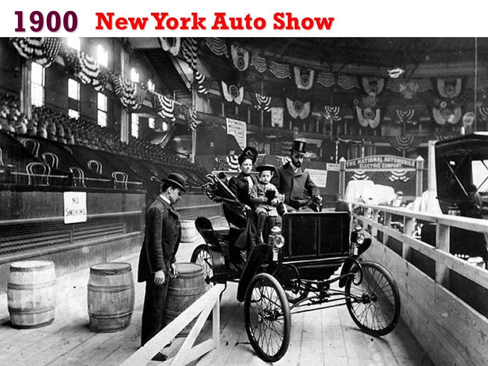 1900 Das Unternehmen produziert 400 Autos und 3.200 Motoren in diesem Jahr. Der Dion-Bouton war der größte Automobilhersteller der Welt