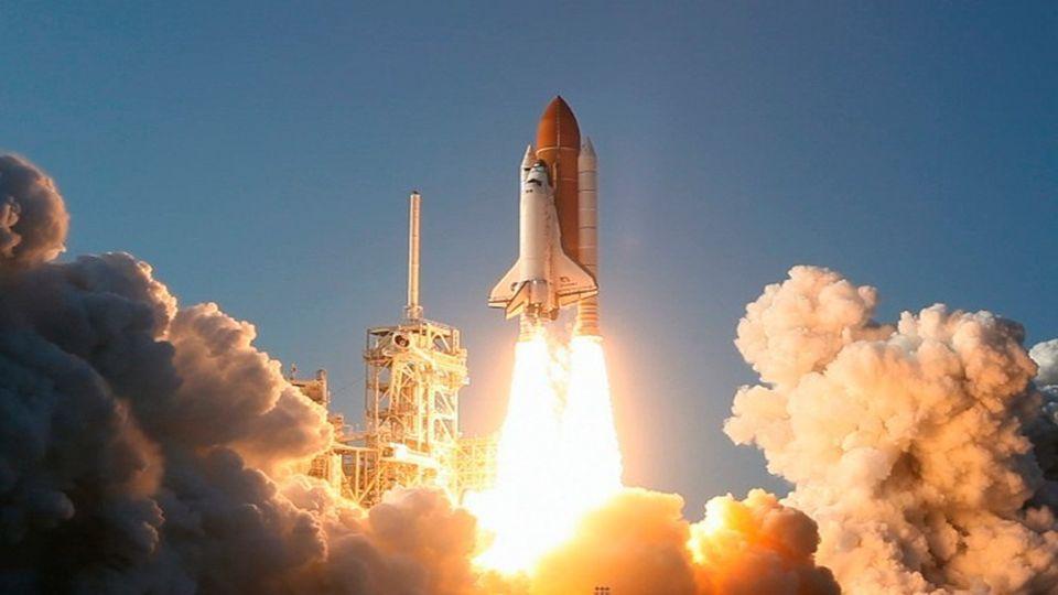 Das Shuttle nähert sich der ISS