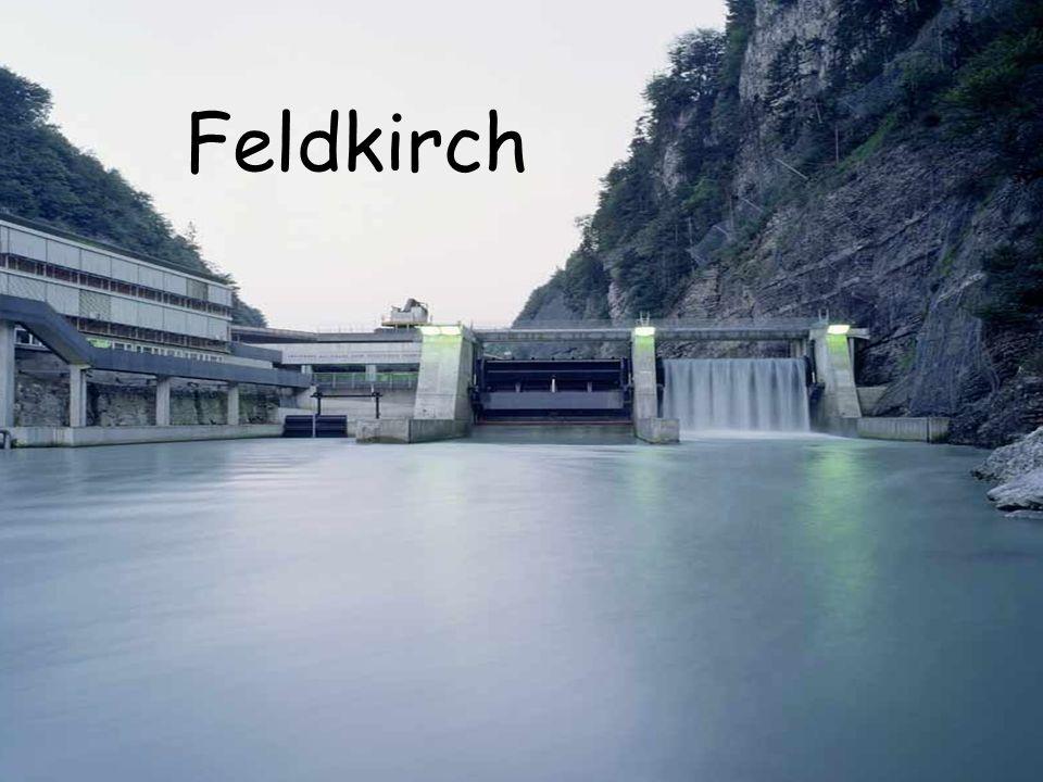 Siedlung zur Zeit der Römer ab 842 Name Feldkircha 1218  urkundlich Stadt Reichtum der Stadt 1925 Vergrößerung der Stadt 1943 Bombenangriff der Alliierten