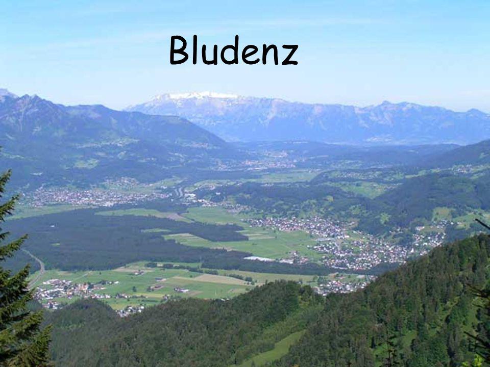 Erste Funde in der Bronzezeit 842  Pludeno 1420  Anschluss an Österreich 1861  Anschluss an Vorarlberg 1939 Errichtung Südtirolersiedlung Befreiung 1945 durch Frankreich