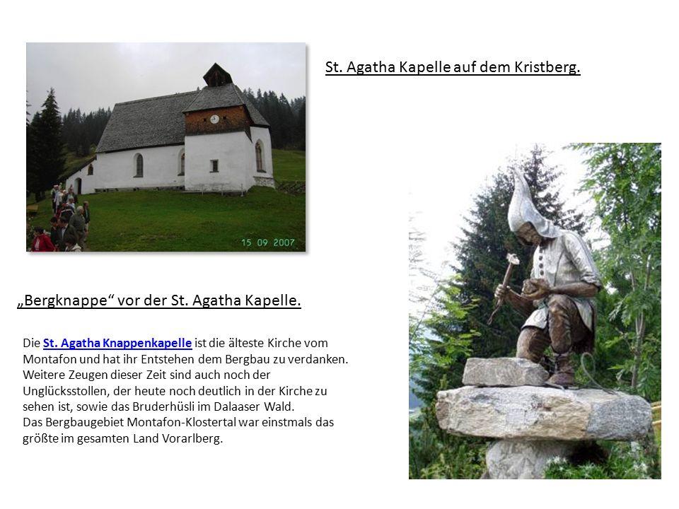 """""""Bergknappe vor der St. Agatha Kapelle. St. Agatha Kapelle auf dem Kristberg."""