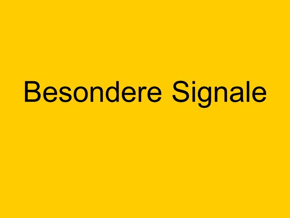Drei gelbe Lichter in Form eines V Am Signal Hp0 oder am gestörten Lichthauptsignal ohne schriftlichen Befehl vorbeifahren.