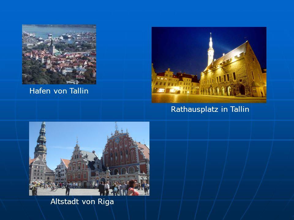 Hafen von Tallin Rathausplatz in Tallin Altstadt von Riga