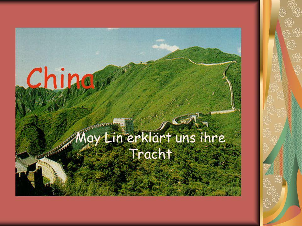 China May Lin erklärt uns ihre Tracht