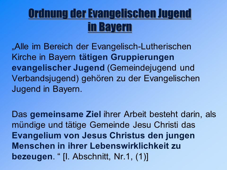 """""""Alle im Bereich der Evangelisch-Lutherischen Kirche in Bayern tätigen Gruppierungen evangelischer Jugend (Gemeindejugend und Verbandsjugend) gehören zu der Evangelischen Jugend in Bayern."""