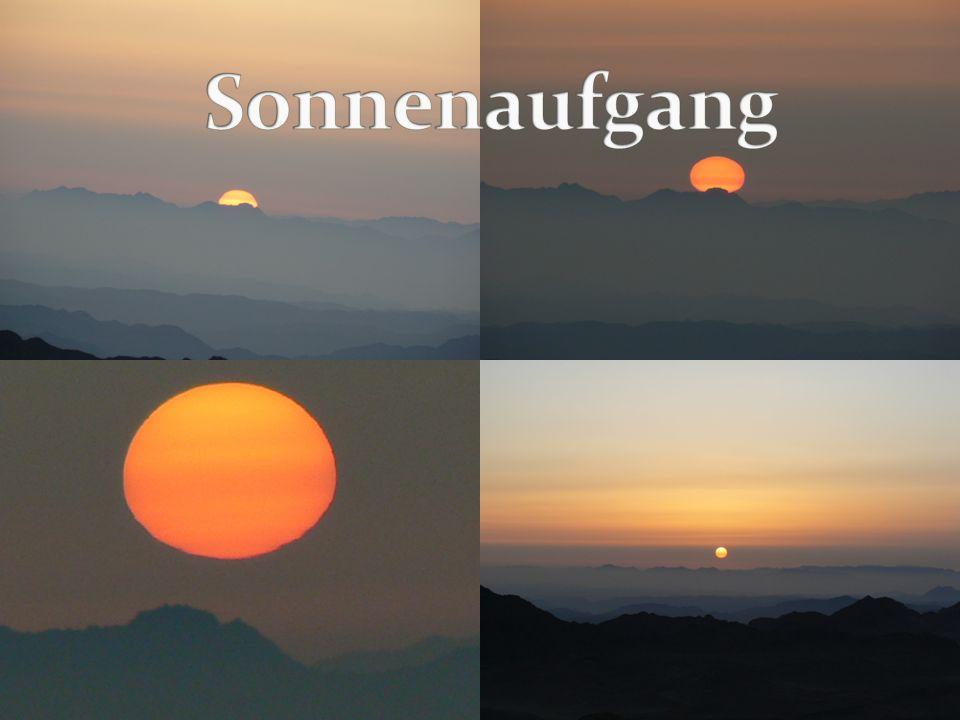 Sehr bekannter Berg Sinai, ist der Mosesberg (2285m) Hier sieht man den schönsten Sonnenaufgang der Welt