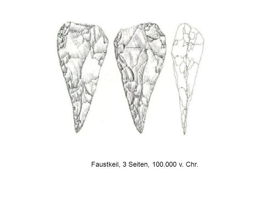 Faustkeil, 3 Seiten, 100.000 v. Chr.
