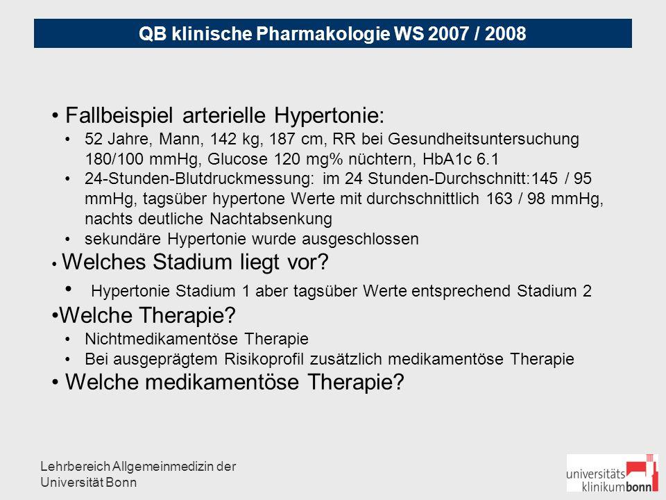 """QB klinische Pharmakologie WS 2007 / 2008 Lehrbereich Allgemeinmedizin der Universität Bonn Grundsätzliche Regeln: Gefahr unregelmäßiger Einnahme eher primär Mono-Therapie bei (älteren) Patienten: """"Start low - go slow Einnahme möglichst morgens (ggf."""