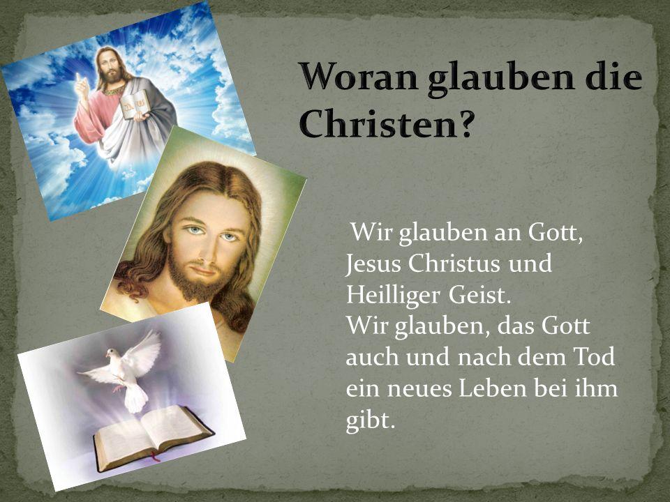 Das Heilige Buch heißt die Bibel. Bibel bedeutet Biblia.