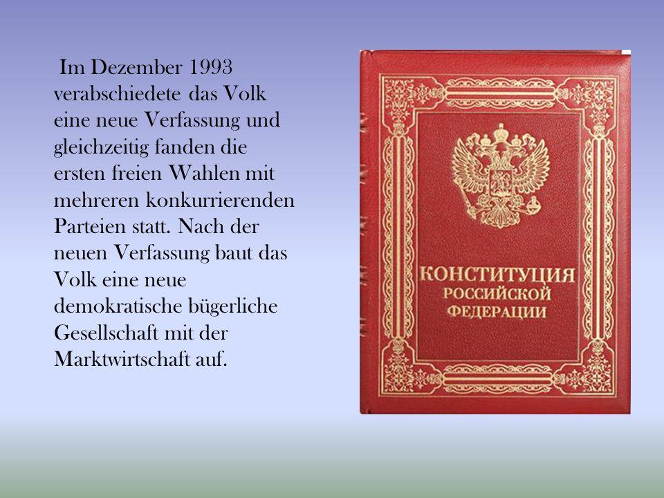 Im Dezember 1993 verabschiedete das Volk eine neue Verfassung und gleichzeitig fanden die ersten freien Wahlen mit mehreren konkurrierenden Parteien statt.