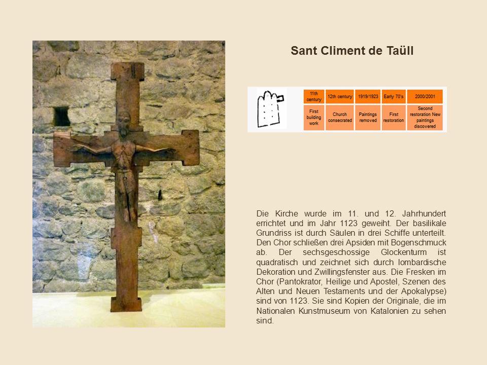 Die Kirche wurde im 11. und 12. Jahrhundert errichtet und im Jahr 1123 geweiht. Der basilikale Grundriss ist durch Säulen in drei Schiffe unterteilt.
