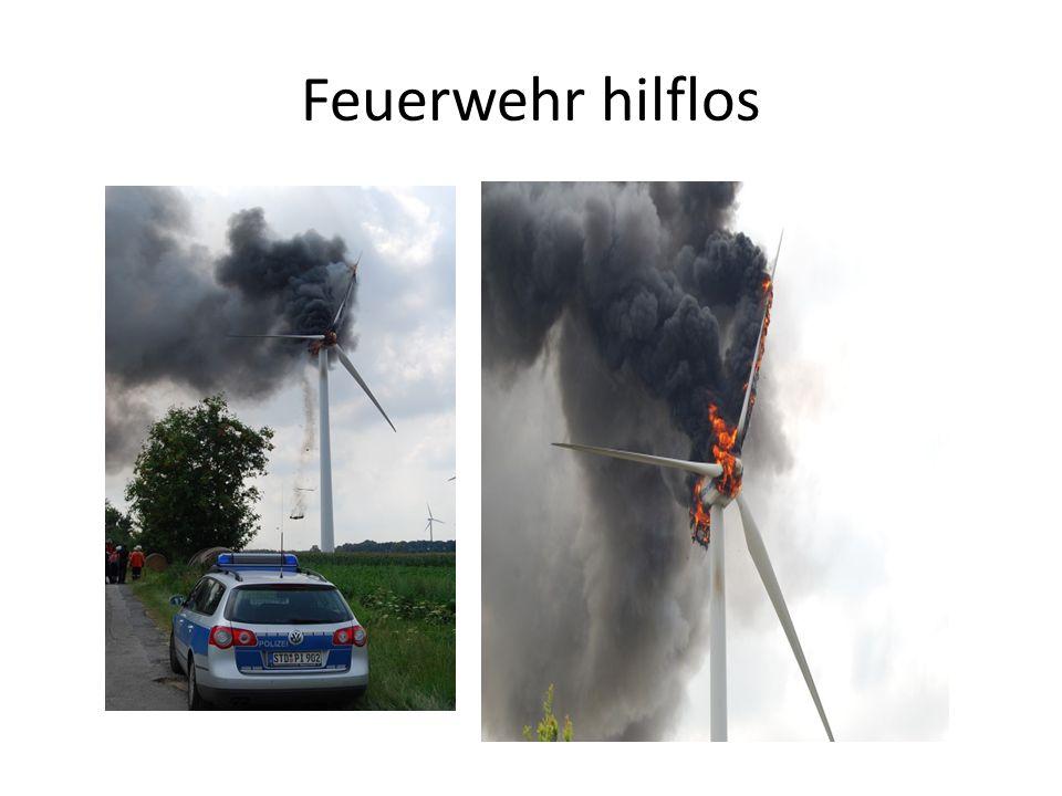 Feuerwehr hilflos