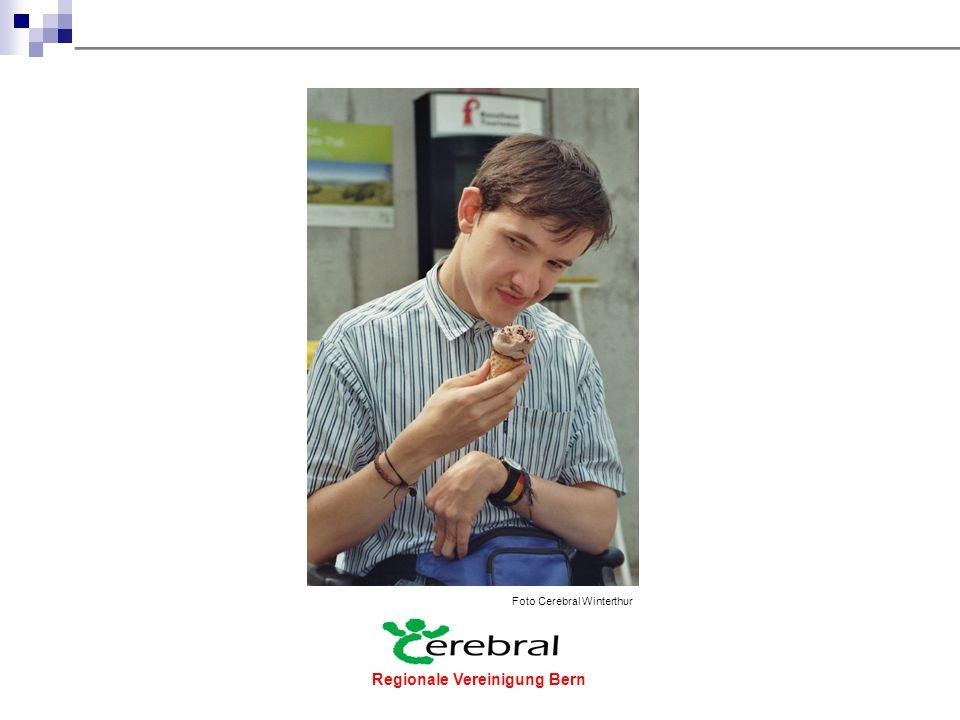 Regionale Vereinigung Bern  Die Beeinträchtigungen sind - meist verkrampfte und teils zuckende Muskeln - seltener schlaffe Muskeln, bei denen die Impulsübertragung vom Rückenmark aus fehlt - Auch das Sehen, Hören, Sprechen, die Wahrnehmung, die Atmung und das Schlucken können betroffen sein.