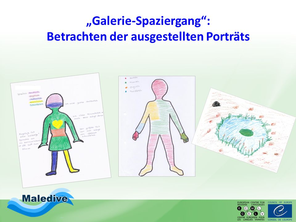 """Galerie-Spaziergang : Betrachten der ausgestellten Porträts"