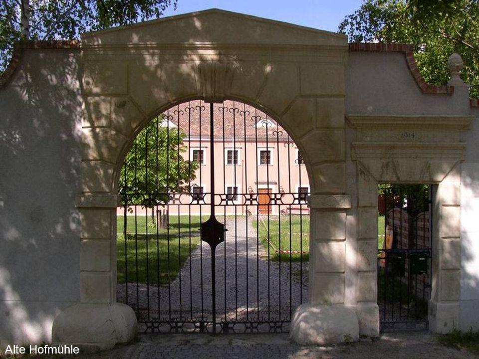 Hollabrunn Die Stadt Hollabrunn, (heute die Hauptstadt des gleichnamigen Bezirkes) und ihr Umland sind bereits seit der Jungsteinzeit besiedelt.