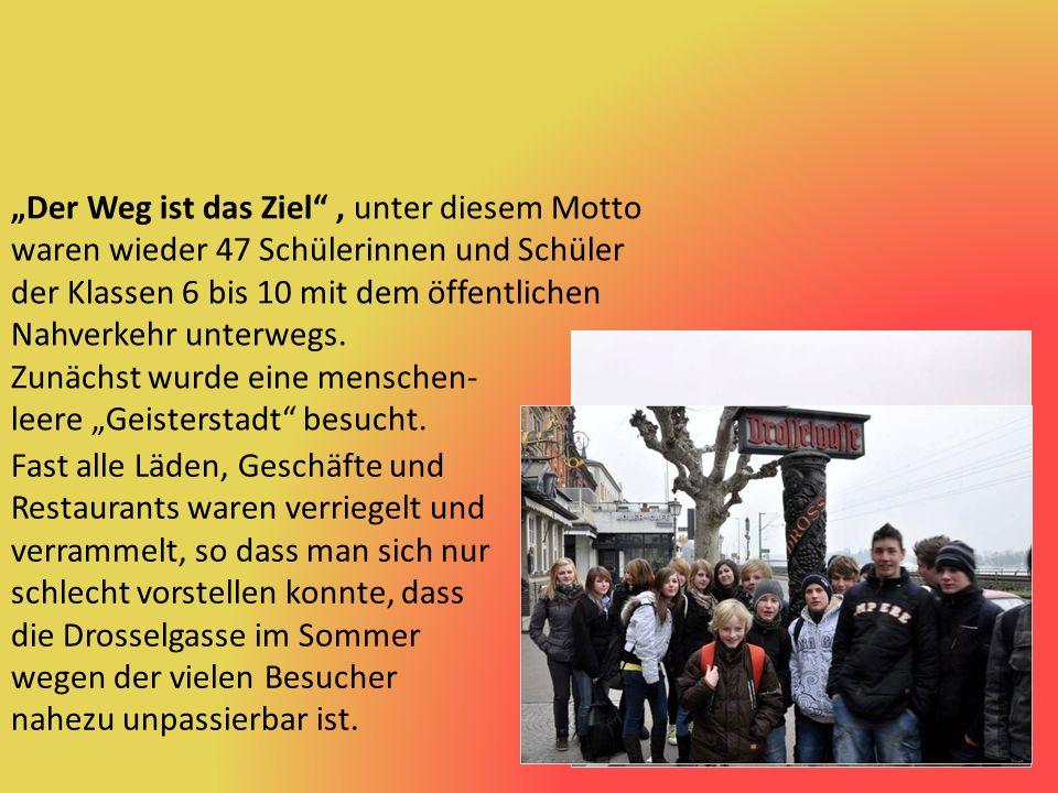 """64° heißes """"Badewasser kam direkt aus der Leitung des Kochbrunnens im Zentrum der hessischen Landeshauptstadt."""