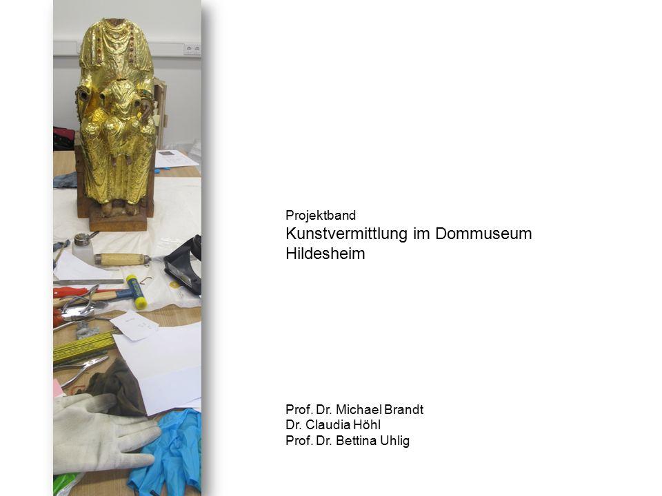 Wir beginnen im Dommuseum, lernen die Ausstellung und das Ausstellungskonzept kennen und erhalten auch Einblicke in die ansonsten verschlossenen Räume (Depot) >>>