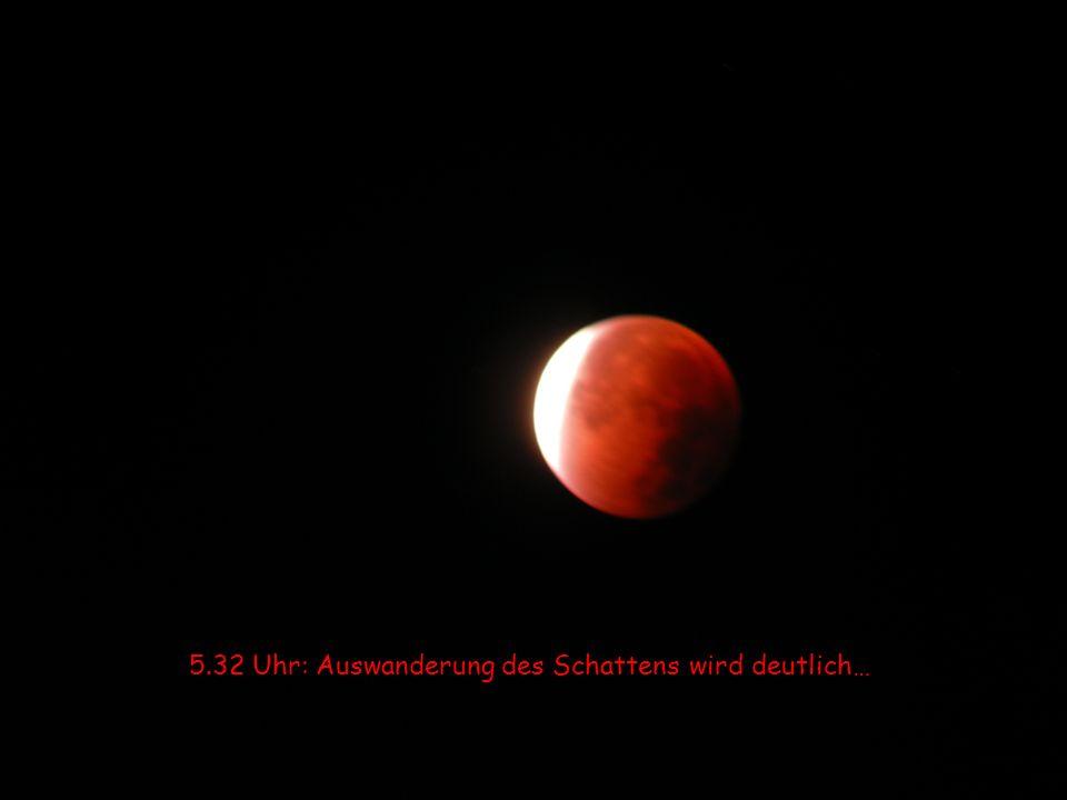 5.22 Uhr: Du ahnst den Beginn der weißen Mondsichel…